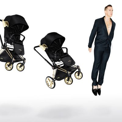 "Winging it: global designer, <a href=""http://jeremyscott.cybex-online.com/"" target=""_blank"">Jeremy Scott</a>, with his latest baby, Cybex Priam Limited Edition by Jeremy Scott."