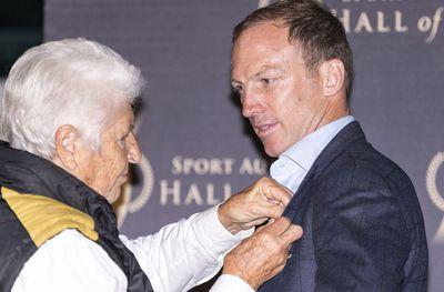 Lockyer joins Australia's sporting elite