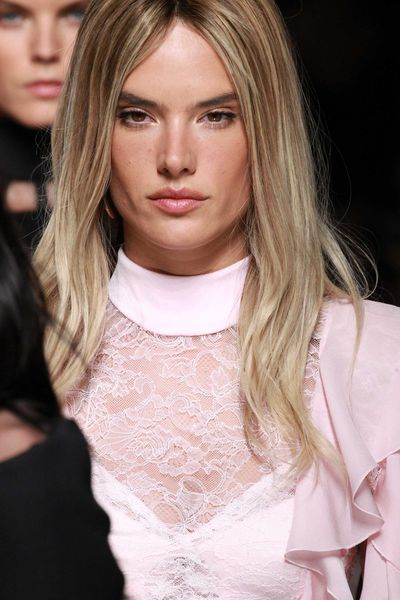 Alessandra Ambrosio switched it up with sandy blonde