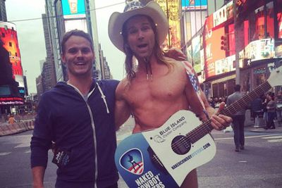@sbrmaham: Got a photo with this lunatic today in Times Square. Life complete. #singingcowboy #timessquare #NY