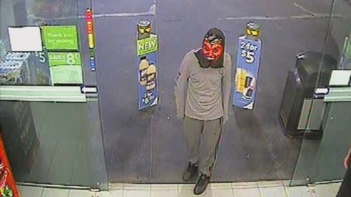 Masked man armed with knife talked out of robbing store