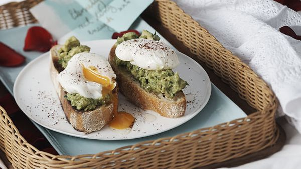 Poached eggs with smashed avocado, preserved lemon and sumac
