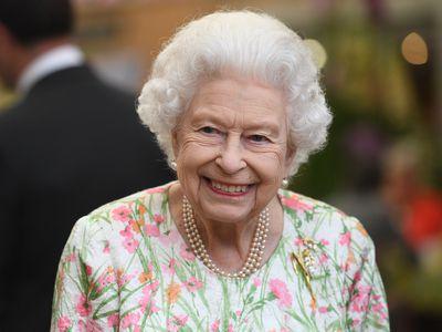 Queen Elizabeth II attends a G7 reception