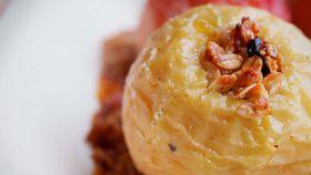 Easy and healthier baked apples dessert