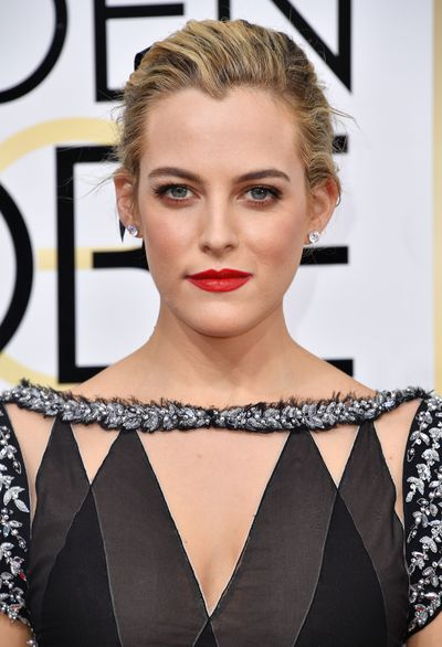 <p>Riley Keogh did her grandfather proud owning the red carpet in 40's-inspired glamour. We're talking pale, perfect skin, dark, dramatic eyes and the most perfect red lip. Just heaven.</p> <p>Image: Getty.</p>