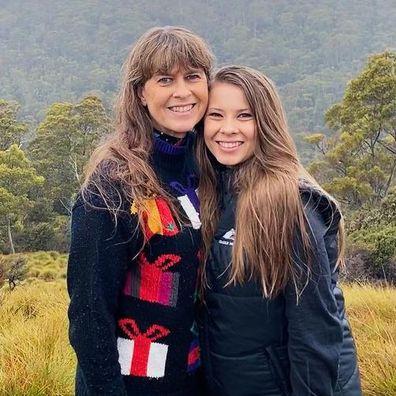 Terri Irwin and daughter Bindi Irwin.