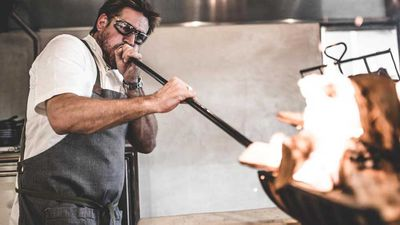 <strong>Curtis Stone firing up at Gwen in L.A.</strong>