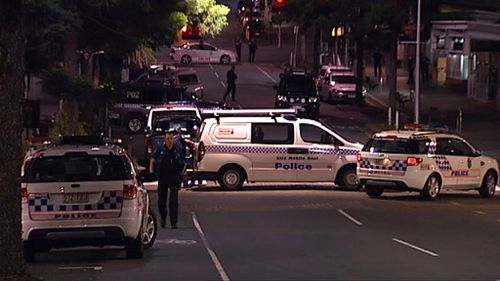Police cordoned off four streets during the search. (9NEWS)