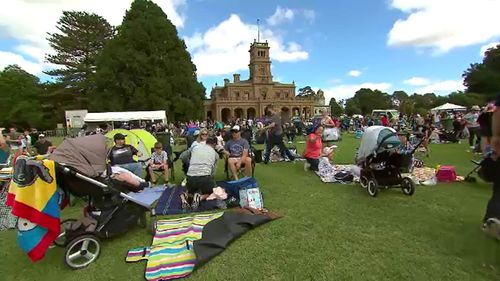 Werribee was also the site of picnicking and entertainment for families from across Melbourne. (9NEWS)