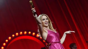 Kylie Minogue to headline Galstonbury