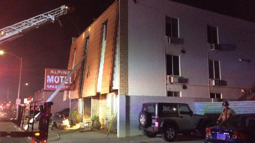 6 dead, 13 injured in Las Vegas apartment building fire