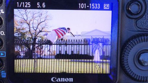 Man caught after jumping fence at White House while first family celebrate Thanksgiving inside