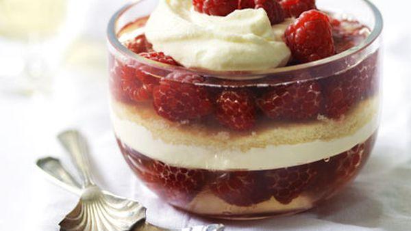 Raspberry mascarpone trifle