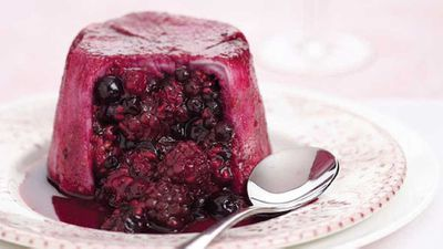 "<a href=""http://kitchen.nine.com.au/2016/05/13/12/15/summer-pudding"" target=""_top"">Summer pudding</a>"
