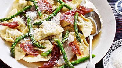 "<a href=""http://kitchen.nine.com.au/2016/05/16/10/38/mezzalune-di-maiale-con-guanciale-brasato-e-asparagi-mezzalune-ravioli-with-braised-pork-cheek-and-asparagus"" target=""_top"">Mezzalune di maiale con guanciale brasato e asparagi (mezzalune ravioli with braised pork cheek and asparagus)</a> recipe"