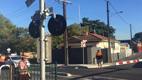 Level crossings have been closed south of the crash. (Twitter @alicemonfries)