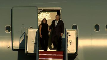 Scot and Jenny Morrison arrive in Washington