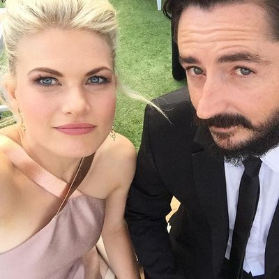 Bonnie Sveen gives birth to twin girls