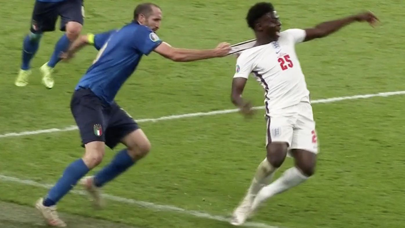England fans were left up in arms when Italy defender Giorgio Chiellini pulled on the collar of youngster Bukayo Saka as he attempted to get away for a quick break during a crucial point in the match.