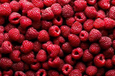 Half a cup of raspberries (62g): 4g fibre