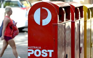 Australia Post employs addition 600 casual to keep up with rising demand from online shopping amid COVID-19 lockdown