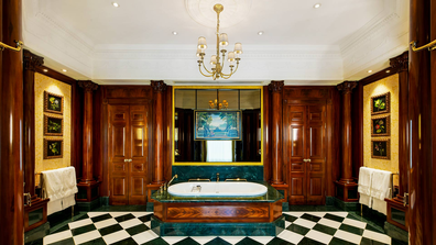 Savoy Royal Suite bath tub