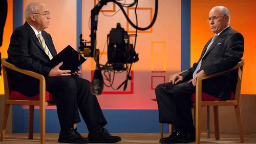 Oakes interviews former prime minister John Howard in 2007. (AAP)