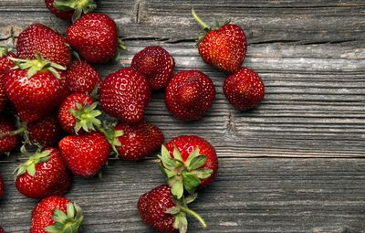 <strong>Strawberries</strong>