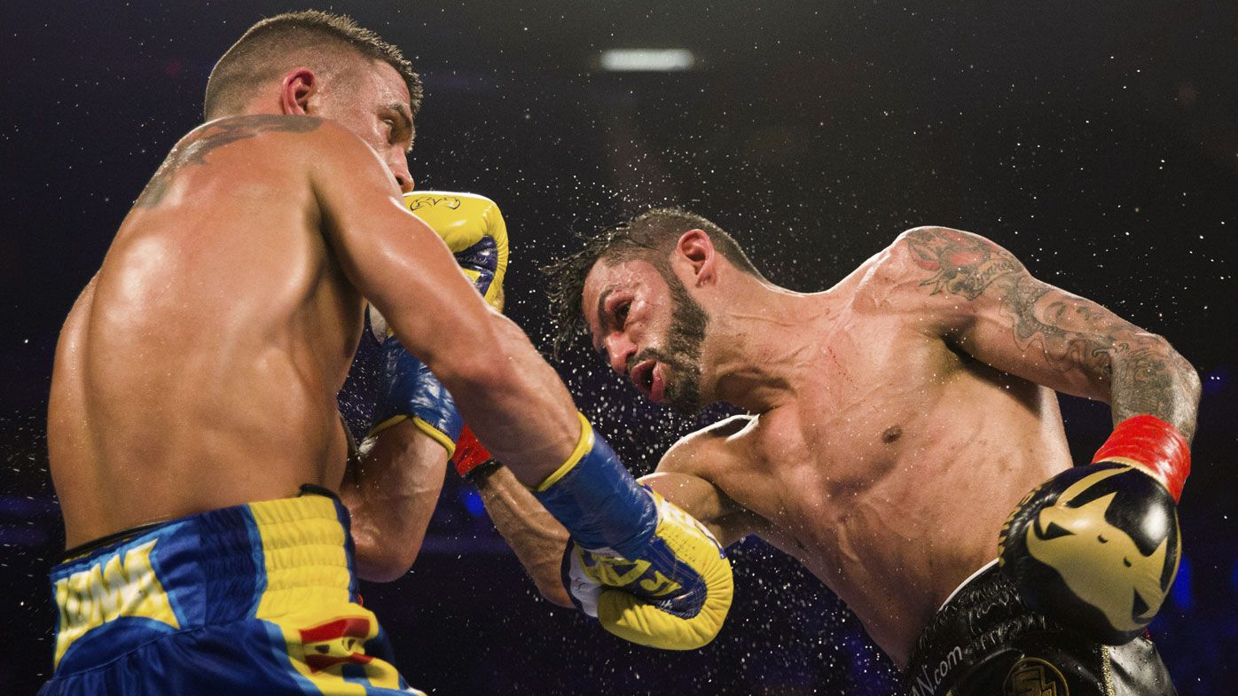 Vasily Lomachenko wins lightweight boxing title against Jorges Linares