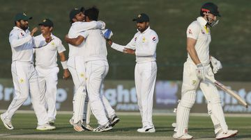 Marsh crashes leaving Aussies in tough spot