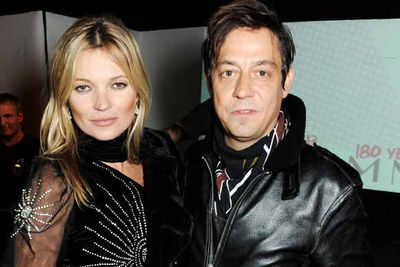 """Kate Moss starts dating The Kills frontman Jamie Hince. We all thought  it was another flash in the pan romance…until three years later they walk down the aisle in a beautiful country wedding. Naturally, the party went on for three days, with many dubbing it """"Moss-stock"""".<br/>"""