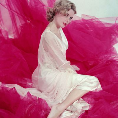 Grace Kelly in a 1953 portrait