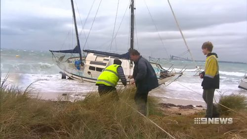 Yachts were smashed in the powerful storm front, snapped off their moorings off Rockingham's foreshore. (9NEWS)