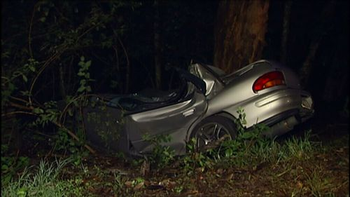 Man dies after car hits tree at Mount Nebo, north-west of Brisbane