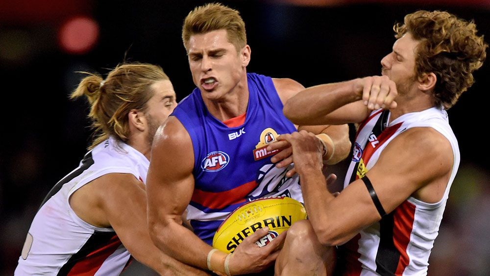 Michael Talia in action for the Bulldogs. (AAP)
