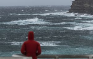 Australia weather: NSW coast lashed with rapid winds, heavy rain and 7-metre waves