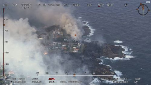 An aerial view of the bushfire in Tathra. (AAP)
