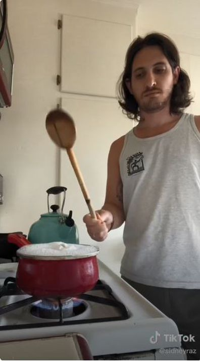 Man's simple hack to stop water from boiling over on the stove goes viral