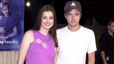 Anne Hathaway and Topher Grace