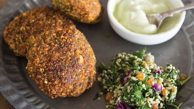 "<a href=""http://kitchen.nine.com.au/2016/10/26/11/47/falafels-with-tahini-yogurt"" target=""_top"">Homemade falafels with tahini yogurt</a>"