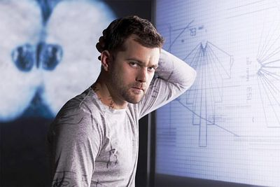 <b>Now…</b> Joshua has barely aged a day since the 90s (basically he's just Pacey with a beard now) and he's still getting plenty of acting work. After appearing in more than 32 films, he's currently starring as Peter Bishop in the sci-fi series Fringe.