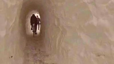 <p>A Boston cyclist has lived out a childhood fantasy by digging a tunnel to travel to work and beat the treacherous weather that has gripped the US.</p><p> Ari Goldberger, 29, was riding home from his job as a guitar technician on the night of February 11 when he noticed the bike path ahead was blocked by a near five-metre wall of snow, Mashable reports. </p><p></p>
