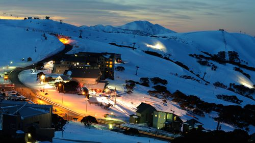 Phone, internet access returns to Mt Hotham after widespread outages