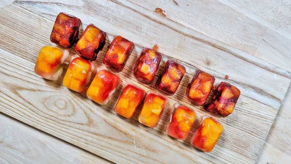Fruity sangria ice cubes hack