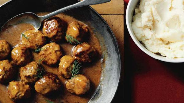 Meatballs with dill cream sauce
