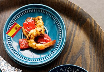 "Recipe: <a href=""/recipes/iprawn/8348750/garlic-and-paprika-char-grilled-prawns"" target=""_top"">Garlic and paprika char-grilled prawns</a>"