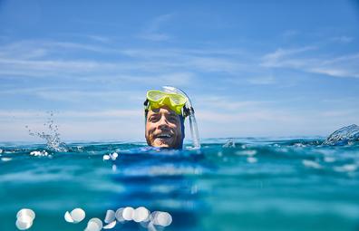 Tourism Australia ambassador Hamish Blake in the Great Barrier Reef