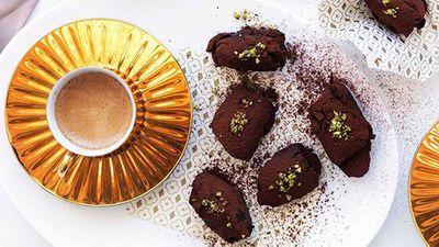 """<a href=""""http://kitchen.nine.com.au/2016/05/16/18/24/chocolate-pistachio-and-orangeblossom-truffles"""" target=""""_top"""">Chocolate, pistachio and orange-blossom truffles</a>"""
