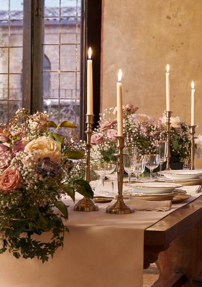 Casa di Giulietta banquet table setting