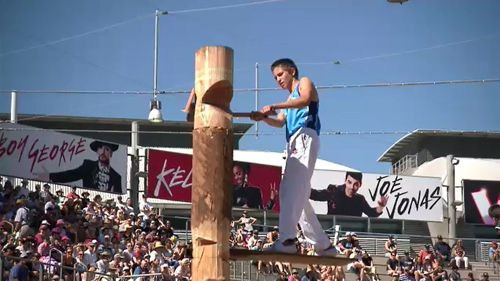 The woodchopping events at the Sydney Royal Easter Show. (9NEWS)